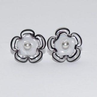 Øreringe - blomst i lysegrå/sort